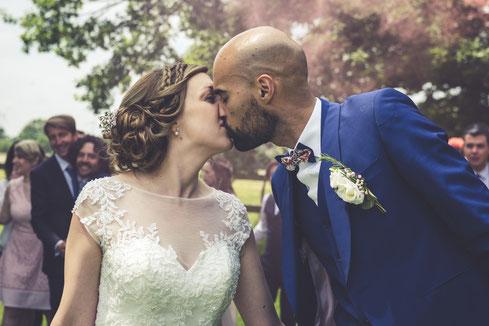 Baiser des mariés, organisation et décoration d'un mariage fun et romantique par My Wedding, wedding planner à Lille et dans le Nord