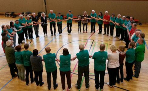 Gemeinsames Training von Der Kreis tanzt