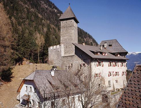 Hotel Castel Neuhaus