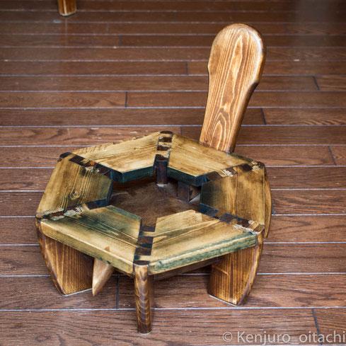 亀の木製スツール 大鼬鼠拳銃郎