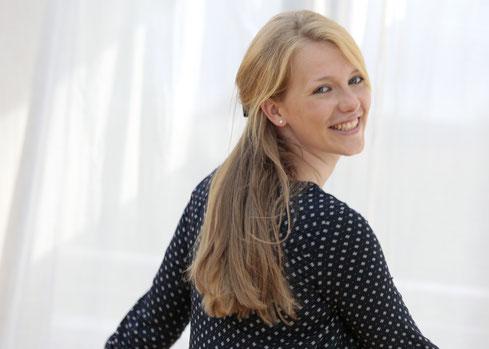 Lou Marie Niewöhner – Physiotherapeutin, Lymphdrainagetherapeutin, NLP-Coachin und Berufspädagogin für Therapie (M.A.) aus Bielefeld