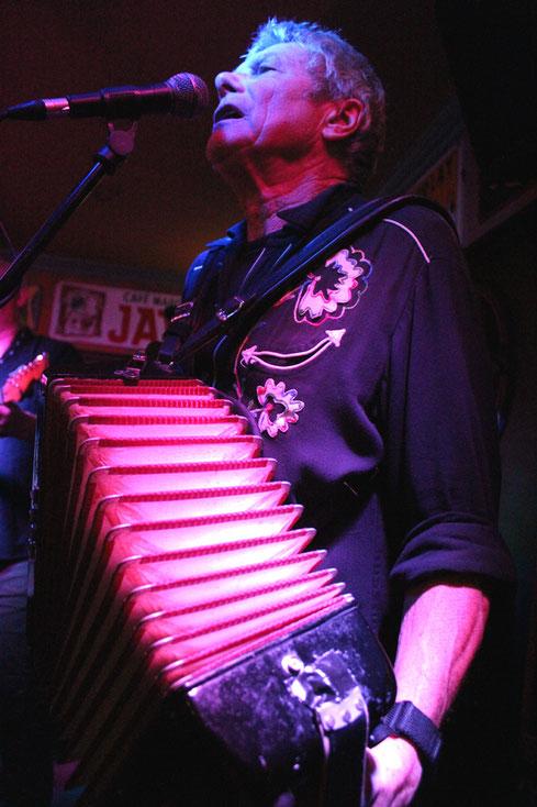 Band-Urgestein: Multiinstrumentalist Rico Bell stieß bereits 1983 zu den Mekons.