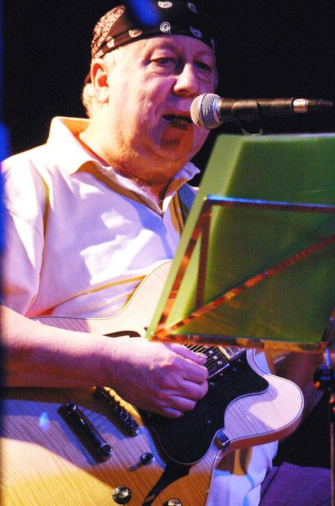 """Peter Green live im """"Kulturladen"""" in Konstanz. Übrigens spielte dort auch Bluesrock-Legende Johnny Winter einen der letzten Deutschland-Gigs vor seinem plötzlichen Tod."""