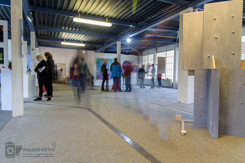 Immer in Bewegung - Besucher in der Ausstellung