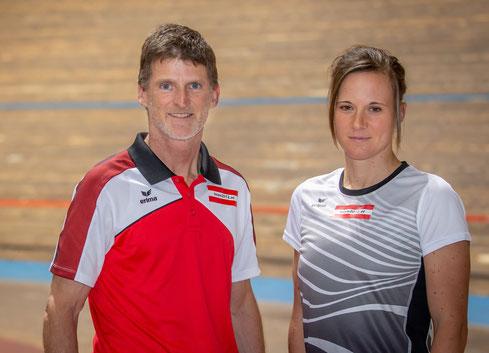 Teamleiter Wilhelm Lilge mit Tanja Stroschneider