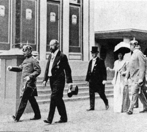 Lingner mit dem König von Sachsen bei der Eröffnung der IHA 1911