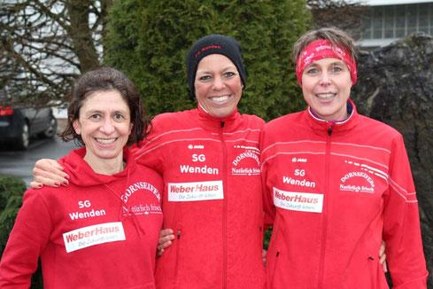 10 km Mannschaft: deutscher Rekord in der W40 in 1:55:30 Std. v.l.:Mara Lückert, Christl Dörschel und Ramona Wied