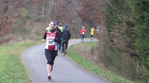 Ina Rademacher etwa 4 km vor dem Ziel in Freudenberg