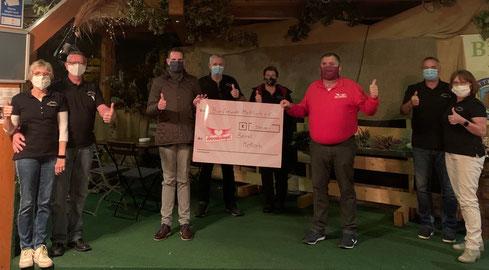 Scheckübergabde des Vereins Bierfreunde Saar-Lor-Lux e.V. an die Herzensengel Mettlach