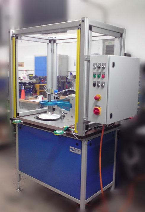 Bördelmaschine für Lampenkörper