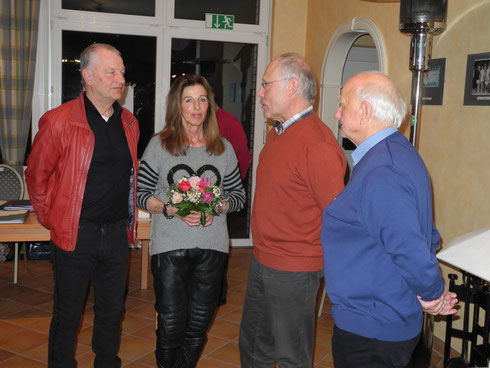 Jeweils schon seit 40 Jaren im ITV! Dieter und Renate Schulz und Herr Sonnenberg (ganz rechts) mit dem 2. Vorsitzender Jörg-Peter General.
