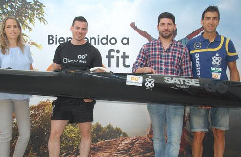 El director de Go Fit , Fran Díaz posa a la derecha con Fran López