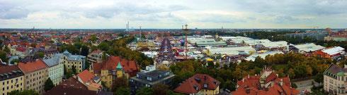 Blick von der Paulskirche während des Oktoberfests, bitte klicken um zu vergrößern