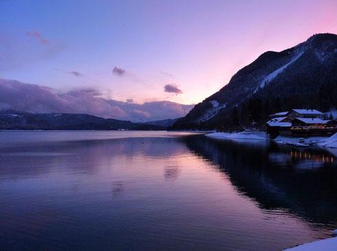 Der Walchensee bei Urfeld (gleich hinter dem Kesselberg)