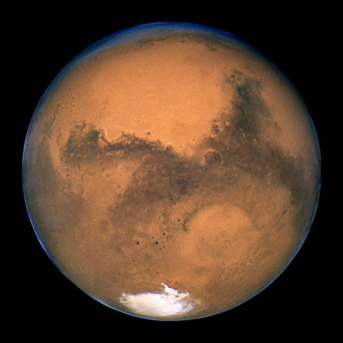 Der Mars, fotografiert vom Weltraumteleskop Hubble im Jahr 2003 (Credit: NASA, ESA, and The Hubble Heritage Team)