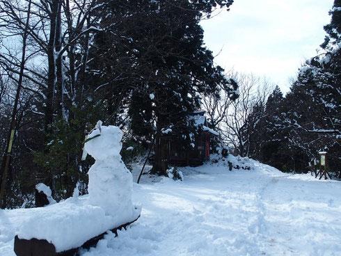 雪だるまが声をかけてくれたように思ったが・・・