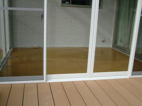サンクスペース ガラス窓とフローリング床で機密性と高級感UPです。