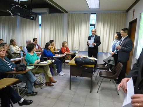 """08/10, en la escuela de estudios orientales, se realizó nuestra presentación del libro """"consejos chinos"""". gracias a todos porque fue un éxito, organizada por la escuela y la Academia Argentina de estudios de Asia Y Africa, el director y el embajador nos"""