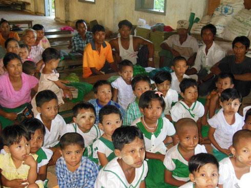 ミャンマー ミラチャ小学校の子どもたち