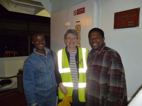 Claudine Le Meur et 2 marins Ghanéens - Mission de la Mer
