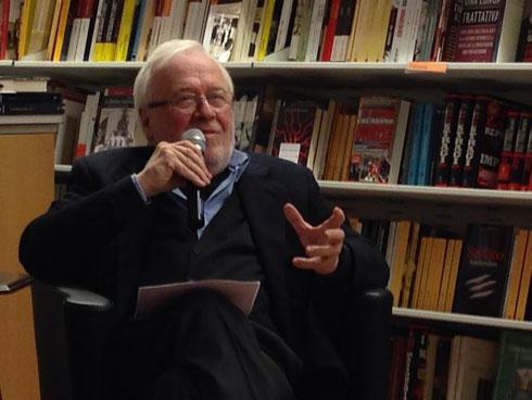 24/11/2013 Alla Libreria Feltrinelli di Varese, un momento della presentazione di Giallolago