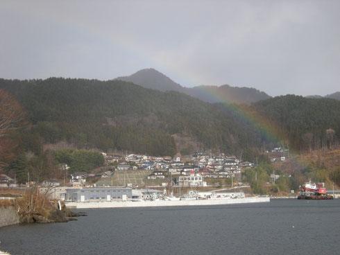 唐丹町北小白浜地区(2014年1月1日撮影。元朝参りの帰り、虹がかかりました)