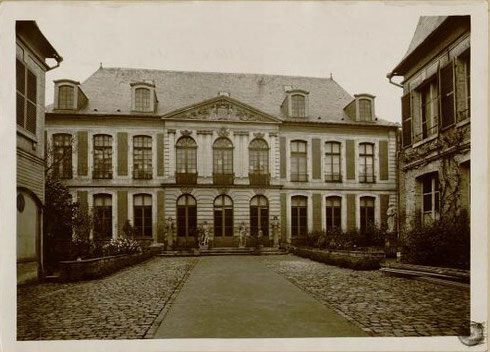 Hôtel de Chepy à Abbeville (détruit par les bombardements du 20 mai 1940) Collection Macqueron, BM Abbeville