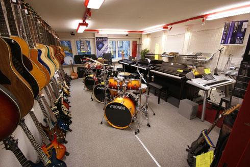 MUSIC & DRUMMER SHOP, Verkaufsabteilung