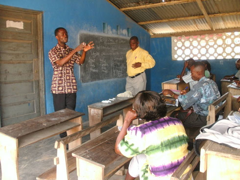 Volunteer teacher workshop school liberia
