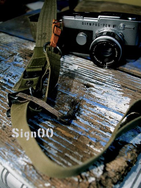 Signシリーズ00カメラストラップ 一点モノ