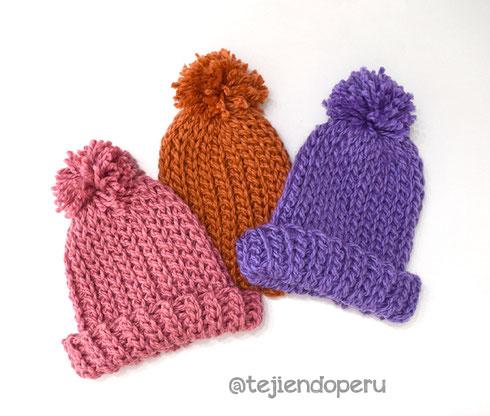 Gorro tejido a crochet imitación punto elástico de dos agujas