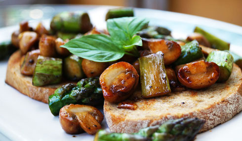 Spargel-Champignon-Gemüse