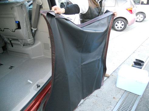 セレナ フロアマット 荷室 荷物 汚れ 手入れ