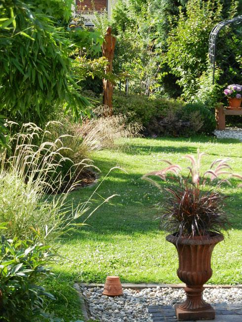 Impressionen aus einem Garten bei Aschaffenburg