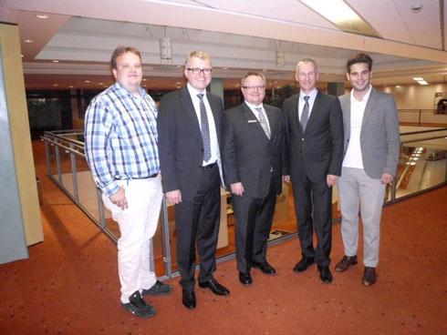 Markus Wiesecke, MdB Frank Schäffler, Vorstandsvorsitzender Peter Becker, Kreisvorsitzender Stepen Paul, Chris Dimitrakopoulos