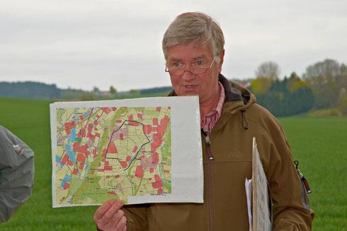 Unter der sachkundigen Leitung von Rolf Böker erwanderten die Teilnehmer an der Frühjahrswanderung den hochinteressanten Abschnitt E1 des Landshuter Höhenwanderweges.