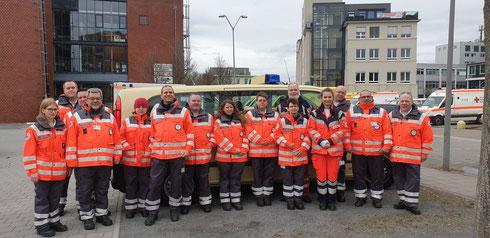 Einsatzkräfte der Durlacher Mannschaft beim Sanitätswachdienst im Wildparkstadion