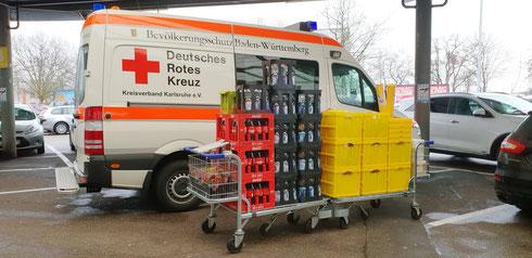 Gesunde Säfte, Minerwalwasser med./classic, Coca-Cola & Cola Zero sowie viele Leckereien...
