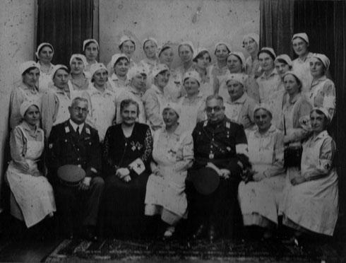 1935: Erste Ausbildung von Schwesternhelferinnen im Dritten Reich