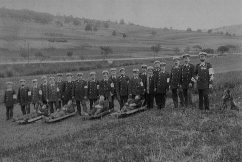 1899: Sanitätsübung als Abschluss der Sanitätsausbildung bei Wilferdingen