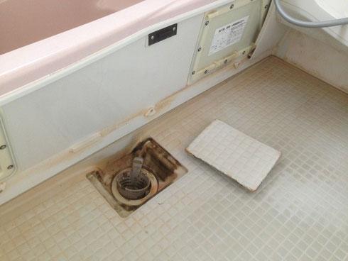 バスルーム 排水溝 施工前