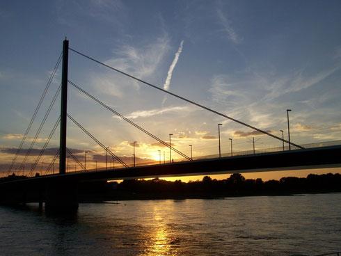 Oberkasseler Brücke Düsseldorf