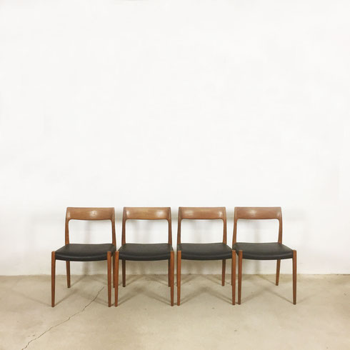 teak chair no. 71 - set of 4 Nils Moller for Moller Models, Denmark | 1960s