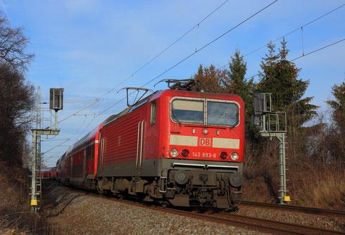 143 893 mit RE 4767 in Niederbobritzsch