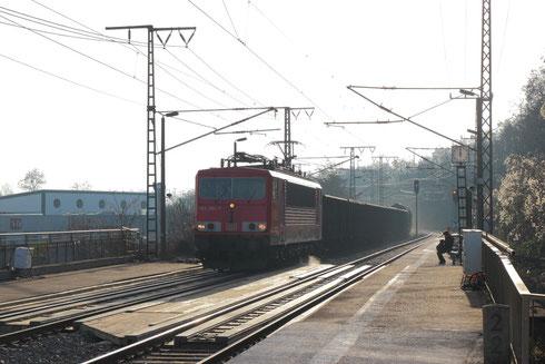 155 084 mit dem EZ 45310 in Dresden Cotta
