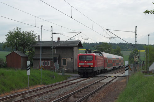 143 919 mit RE 3 in Hilbersdorf