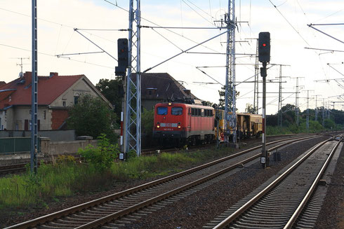 140 003 mit Schotterexpress in Senftenberg