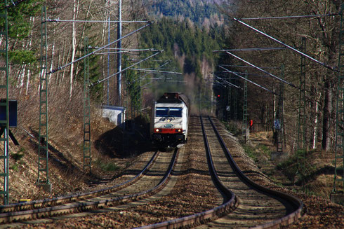 285 108 mit Gz nach Weißenborn an der Steigung am Seerenteich