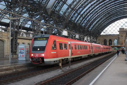 612 110 und 612 129 als Ersatz für fehlende elektrische Doppelstockgarnituren in Dresden