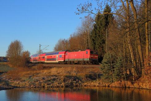 143 850 mit RB 30 hinter Klingenberg